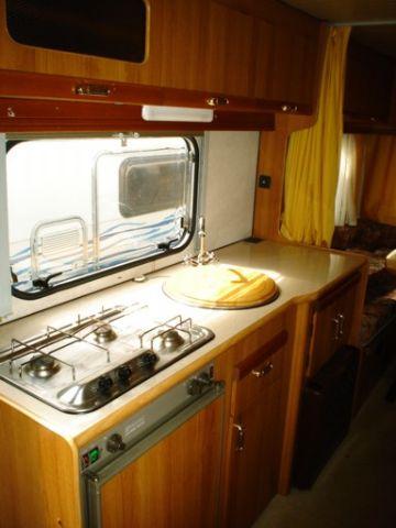 Camper usato elnagh 650 king mansardato in emilia romagna for Arredamento usato reggio emilia