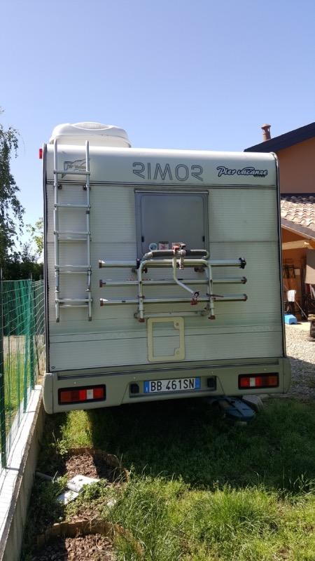 Mobile bagno hd camper usato rimor europeo posti viaggio for Mobile bagno usato