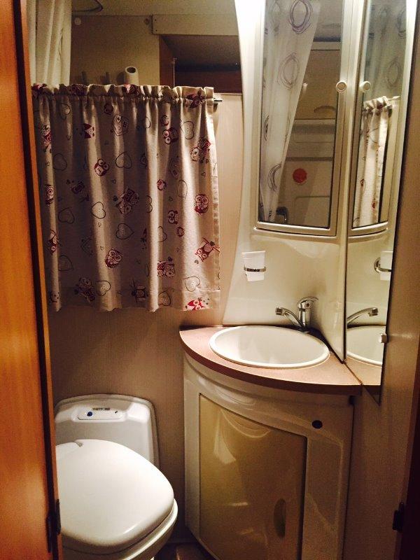 Mobile bagno usato lombardia camper usato wingamm p for Mobile bagno usato