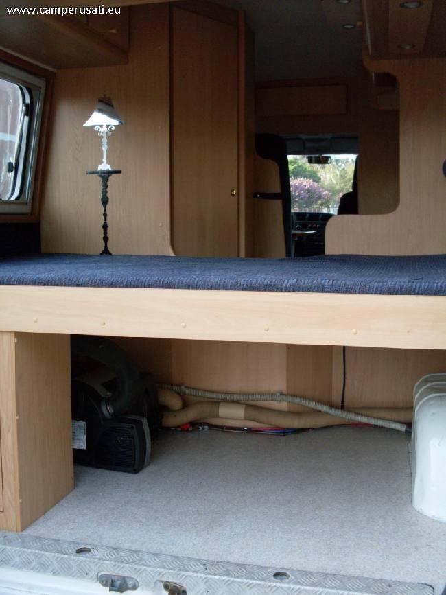 Camper usato adria adriavan camper puro in emilia romagna for Arredamento usato emilia romagna