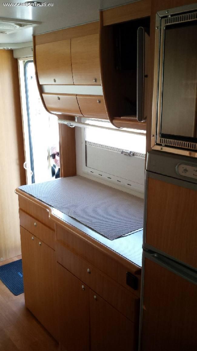Camper usato mobilvetta icaro p5 semintegrale in emilia for Arredamento usato emilia romagna