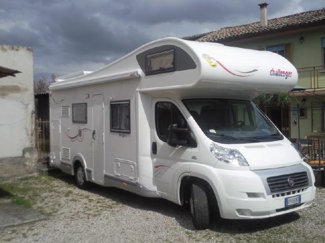 Accessori Bagno Udine : Camper usato challenger mageo mansardato in friuli