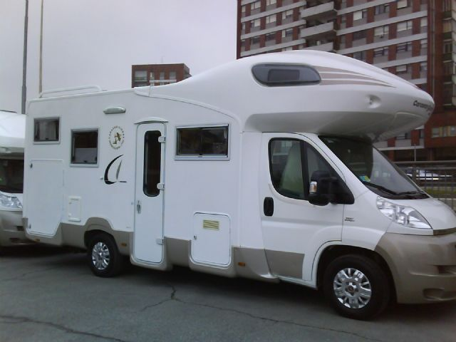 Camper usato ci mizar garage living mansardato in piemonte for Compro mobili usati torino