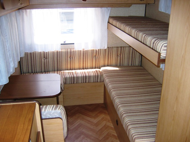 Camper usato elnagh elnarama l 480 roulotte in emilia for Arredamento usato emilia romagna