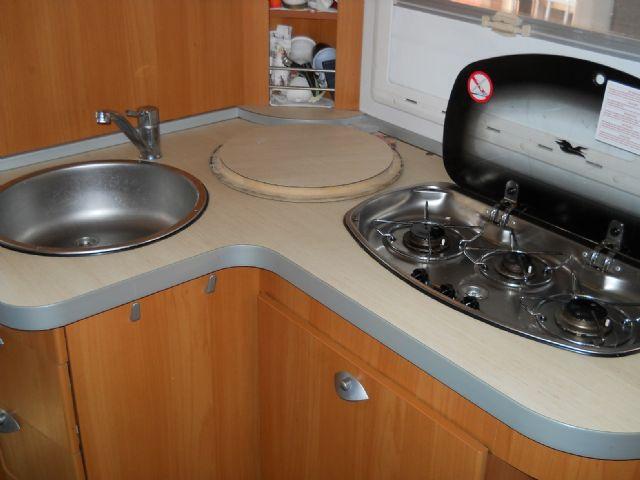 Camper usato laika ecovip 2i mansardato in emilia romagna for Arredamento usato reggio emilia