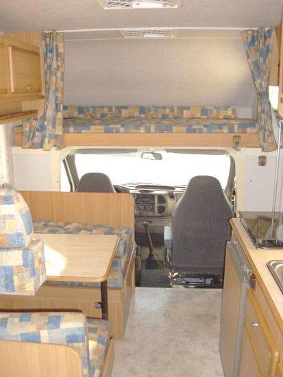 Camper usato blucamp sky 300 mansardato in emilia romagna for Arredamento usato emilia romagna