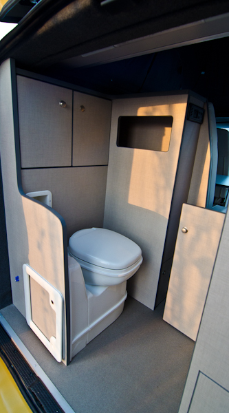camper usato altre marche opel vivaro camper conversion camper puro in veneto vicenza. Black Bedroom Furniture Sets. Home Design Ideas