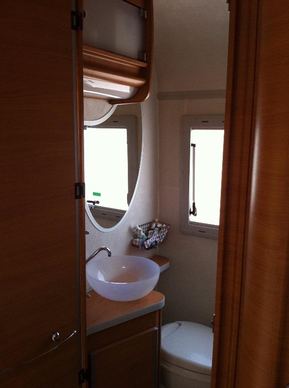 Mobili bagno camper top sanitari bagno offerte with for Arredo bagno poggibonsi