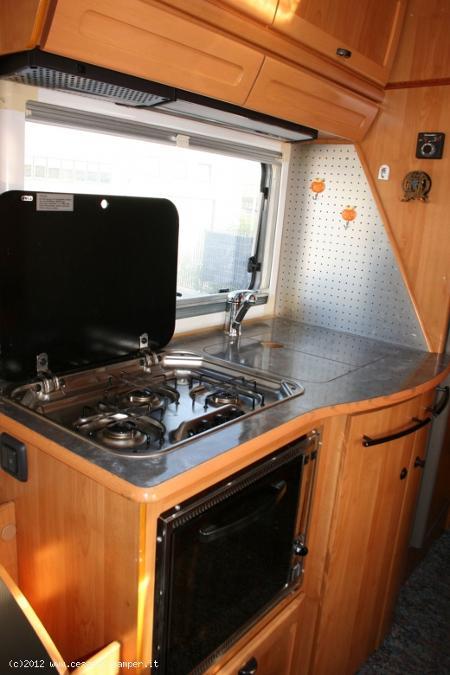 Camper usato hymer s660 motorhome in emilia romagna modena for Arredamento usato emilia romagna